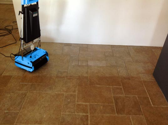 Cleaning Ceramic Tile Grout - Rotowash