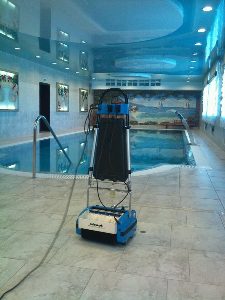 Pool Tiles Floor Cleaning